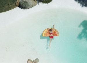 relax-summer-blog-float-cove-ocean-bella-salon
